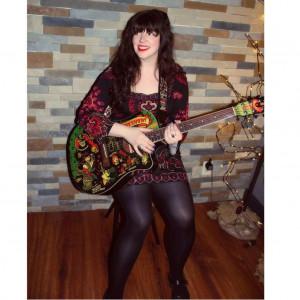 Jane West - Singing Guitarist in Pittsburgh, Pennsylvania