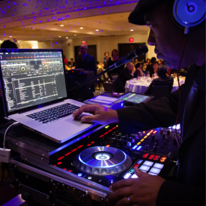 Sonisphere Entertainment - Wedding DJ / Sound Technician in Toronto, Ontario