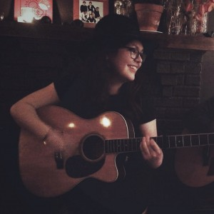 Sophie London - Singing Guitarist / Acoustic Band in Needham, Massachusetts