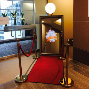 Star Photo Booth - Photo Booths / Prom Entertainment in Houston, Texas