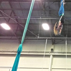 Amber on Static Trapeze - Aerialist / Trapeze Artist in Alameda, California