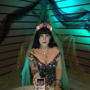 Suzil Von - Psychic Entertainment / Halloween Party Entertainment in San Francisco, California