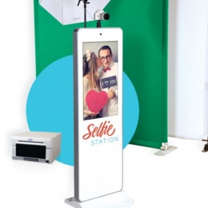 Take a Selfie Station - Photo Booths / Prom Entertainment in Providence, Rhode Island