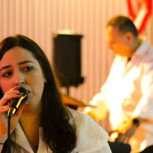 Talia - Party Band / Singing Pianist in Wilmington, Delaware