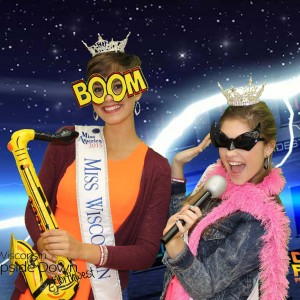 TapSnap 1142 - Photo Booths / Family Entertainment in Eau Claire, Wisconsin