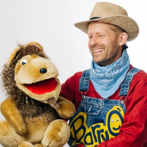 The BarryO Kidshow - Children's Party Magician / Ventriloquist in Hamilton, Ontario