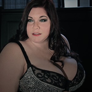 The biggest chest in the Midwest - Burlesque Entertainment / Dancer in St Louis, Missouri