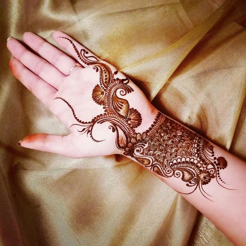 Hire the brooklyn henna company henna tattoo artist in for Henna tattoo nyc