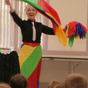 Magician Debbie O'Carroll - Children's Party Magician in Newburyport, Massachusetts
