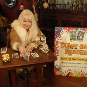 The Happy Medium - Psychic Entertainment / Halloween Party Entertainment in New Orleans, Louisiana