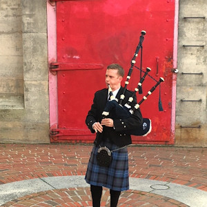 The Highland Piper