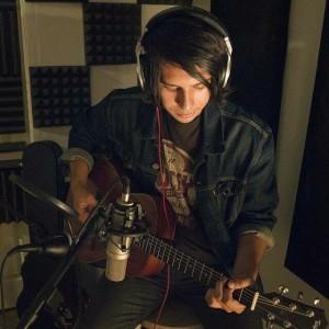 The Hildreth Avenue - Singing Guitarist in Long Beach, California