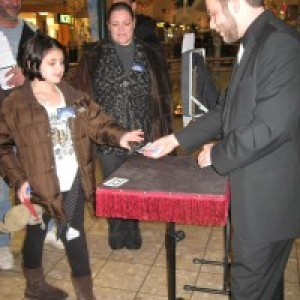 The Juggling and Magic of Mike Simon - Magician / Strolling/Close-up Magician in Scranton, Pennsylvania