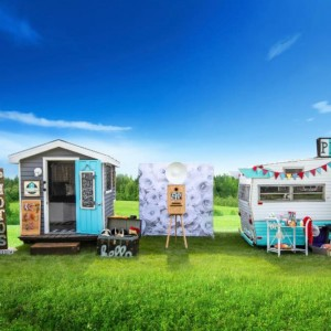 The Little House Picturebooth - Photo Booths in Sandwich, Illinois