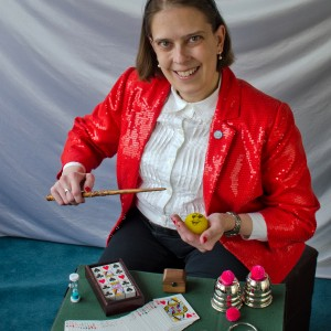 Proximity Illusions With Carrie Rostollan - Strolling/Close-up Magician / Halloween Party Entertainment in Auburn, Michigan
