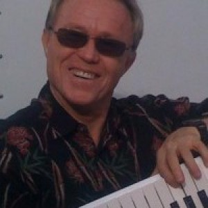 The Michael Shaw Show - Keyboard Player / Rock & Roll Singer in Clearlake Oaks, California