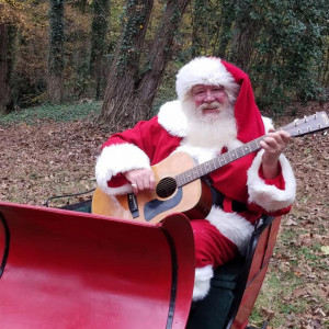 The Singing Santa - Santa Claus in Atlanta, Georgia