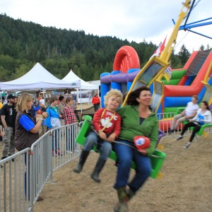 The Fun Swing - Carnival Rides Company in Nanaimo, British Columbia