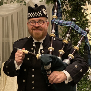 Thom Moore, The Happy Bagpiper - Bagpiper in Philadelphia, Pennsylvania