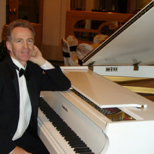 Tom Casey - Singing Pianist / Jazz Pianist in Orlando, Florida