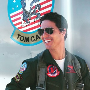 Tom Cruise Impersonator - Tom Cruise Impersonator / Street Performer in Los Angeles, California
