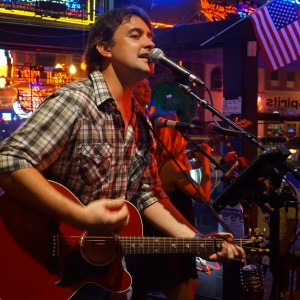 Trent Mayo - Singing Guitarist in Nashville, Tennessee
