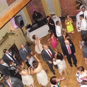 UnderGround Sound Mobile DJs - Mobile DJ / Wedding DJ in Woburn, Massachusetts