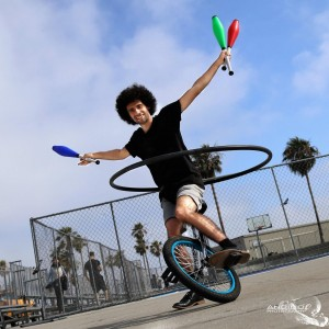 UniJuggleHoopist - Circus Entertainment / Juggler in Venice, California