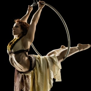 Lyra Levin - Aerialist in San Francisco, California