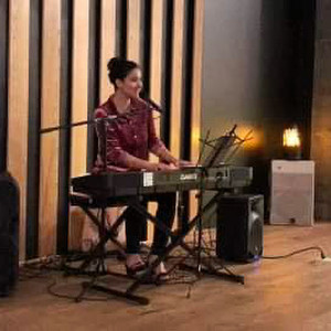 Vibe with Chloe  - Singing Pianist in Austin, Texas