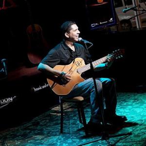 Victor Andrada - Singing Guitarist in El Paso, Texas