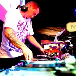 Video DJ Amos Smith - Club DJ / Radio DJ in Madison, Wisconsin