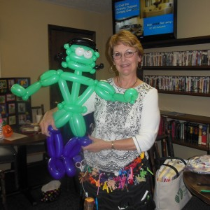 Vivian McArthur - Balloon Twister / Clown in Branson, Missouri