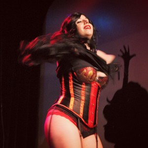 Miss Von Devious - Burlesque Entertainment in Orlando, Florida