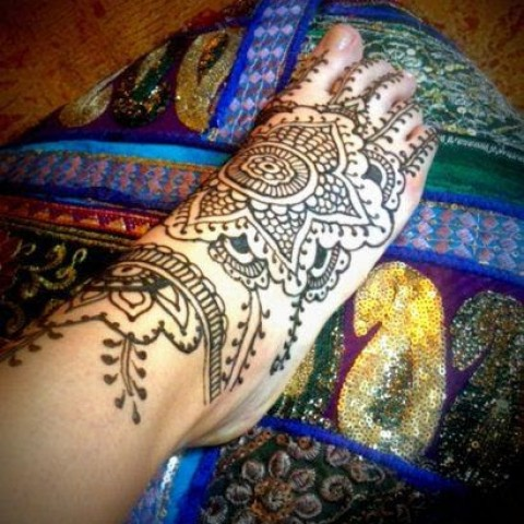 Hire whiteheart henna henna tattoo artist in portland for Portland oregon tattoo artists