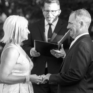 Wisconsin Weddings - Wedding Officiant in Milwaukee, Wisconsin