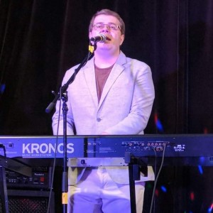 Zdravko the singing pianist - Singing Pianist / One Man Band in Mississauga, Ontario