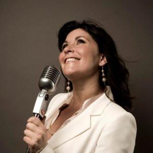Zoe Tyler - Broadway Style Entertainment / Singing Pianist in Orlando, Florida