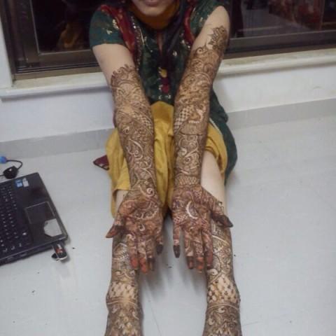 Hire zoya henna designs henna tattoo artist in lyndhurst for Tattoo artist new jersey