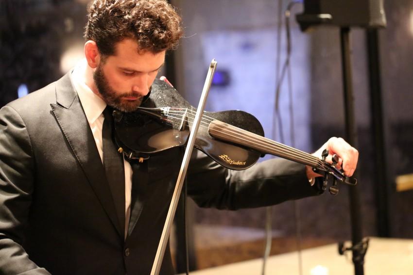 Hire Zuriel Merek - Violinist in Grapevine, Texas