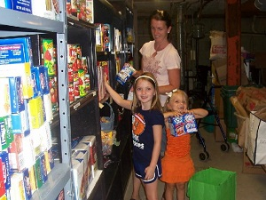 Stocking food pantry