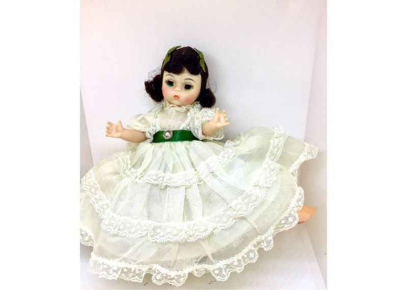 715 - Scarlett, Madame Alexander Collector  Doll