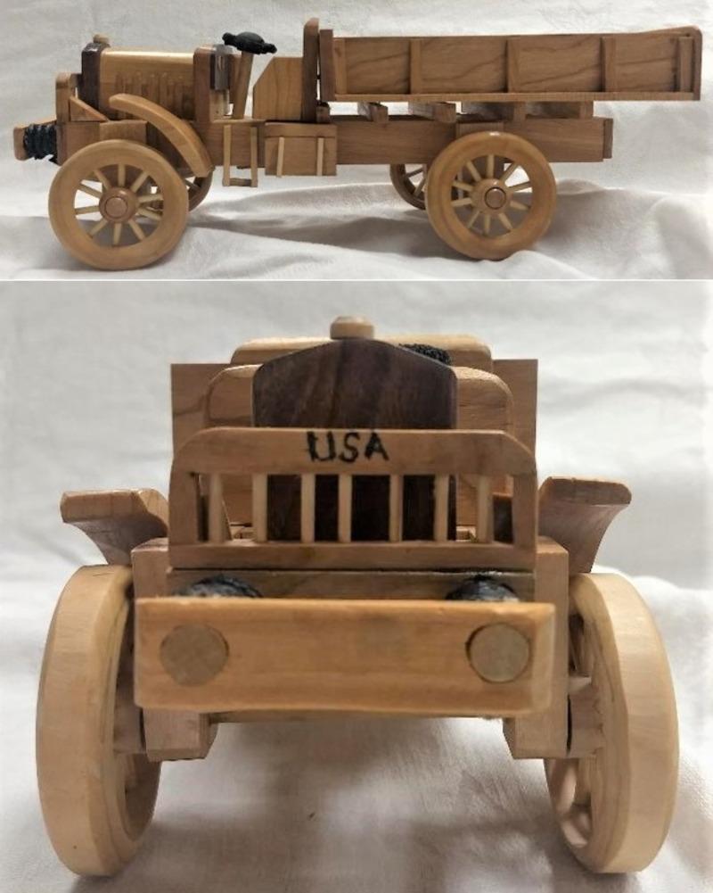 HANDCRAFTED 1917 SELDEN LIBERTY B TRUCK MODEL