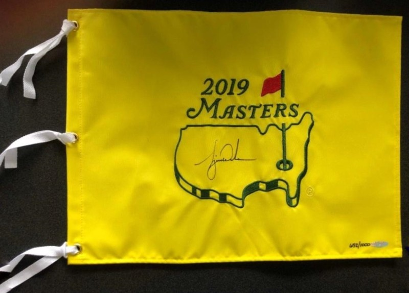 04 **Live Auction** TIGER WOODS AUTOGRAPHED MASTERS FLAG