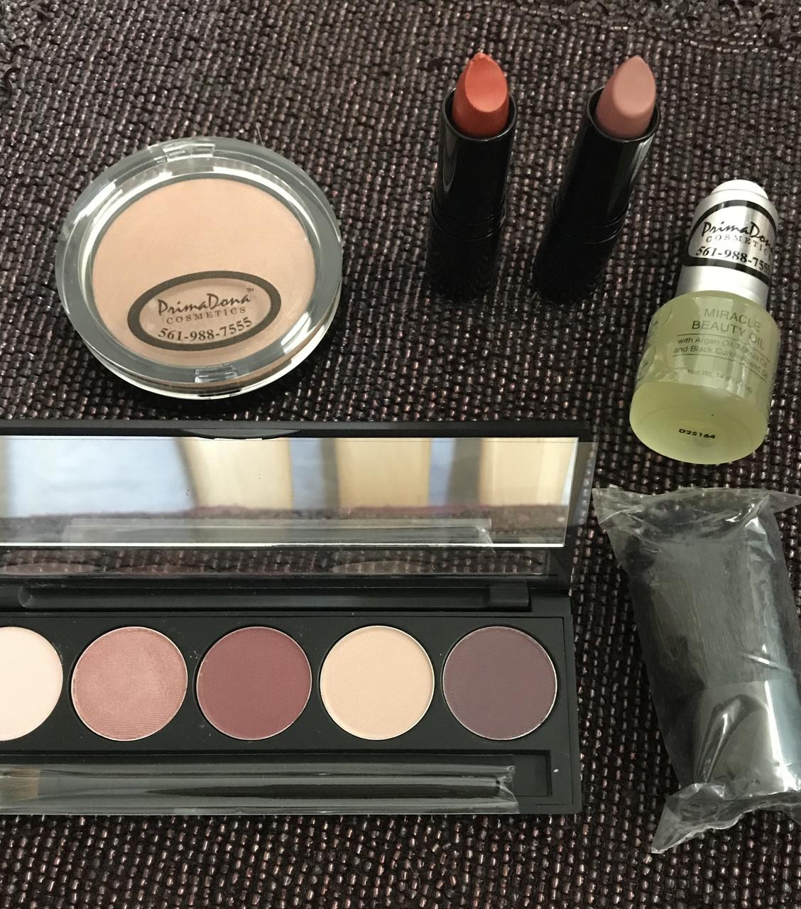 PrimaDona Cosmetics Package