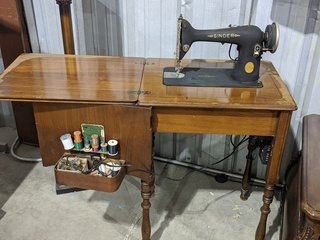 1938 Singer Sewing Machine