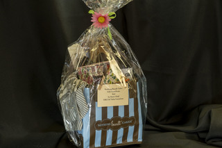 336 - Nothing Bundt Cakes Gift Basket