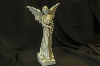 542 - Angel with Cross in her Arms