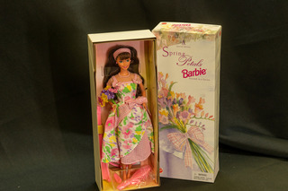 651 - Spring Pedals Barbie - Avon Exclusive