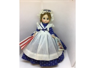 735 - Betsy Ross, Madame Alexander Collector Doll